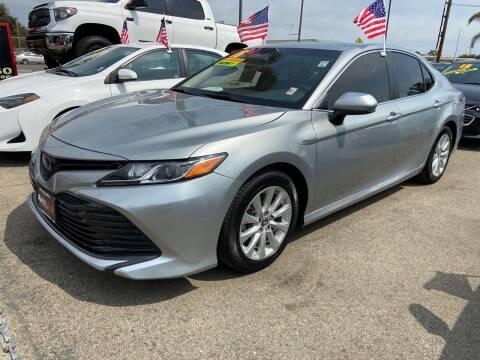 2018 Toyota Camry Hybrid for sale at Auto Max of Ventura in Ventura CA