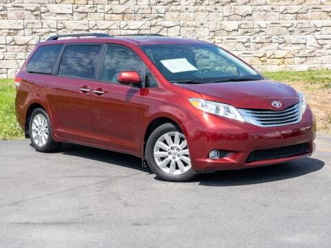 2012 Toyota Sienna for sale at Car Hunters LLC in Mount Juliet TN
