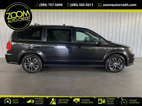 2017 Dodge Grand Caravan for sale at ZoomAutoCredit.com in Elba NY