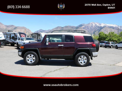 2007 Toyota FJ Cruiser for sale at S S Auto Brokers in Ogden UT
