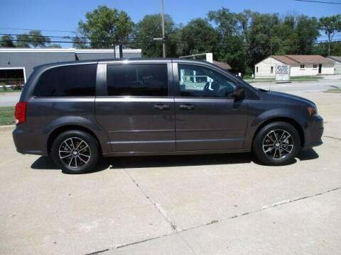 2016 Dodge Grand Caravan for sale at Pinnacle Investments LLC in Lees Summit MO