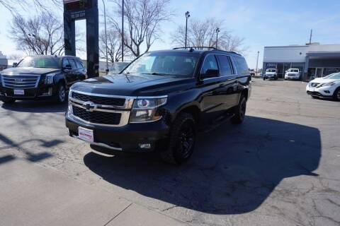 2017 Chevrolet Suburban for sale at Ideal Wheels in Sioux City IA