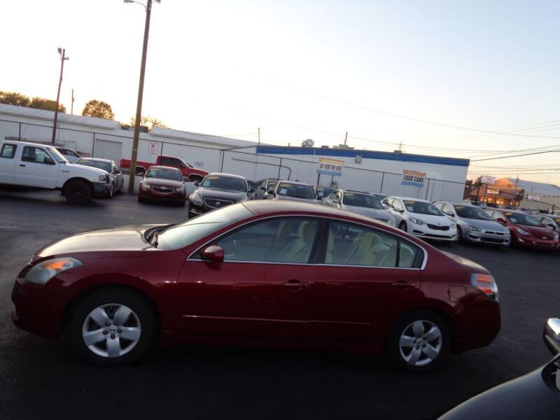 2008 Nissan Altima for sale at Cars Unlimited Inc in Lebanon TN