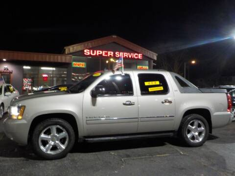 2009 Chevrolet Avalanche for sale at Super Service Used Cars in Milwaukee WI