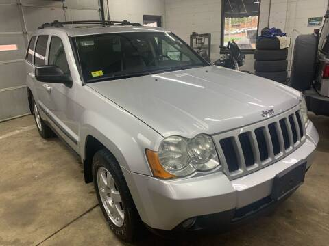 2009 Jeep Grand Cherokee for sale at QUINN'S AUTOMOTIVE in Leominster MA