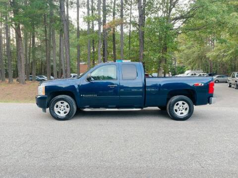 2008 Chevrolet Silverado 1500 for sale at H&C Auto in Oilville VA
