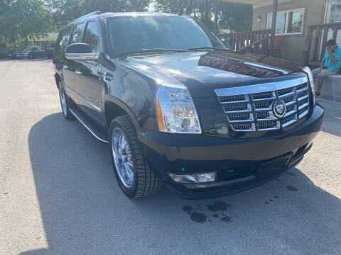 2007 Cadillac Escalade ESV for sale at HALEMAN AUTO SALES in San Antonio TX