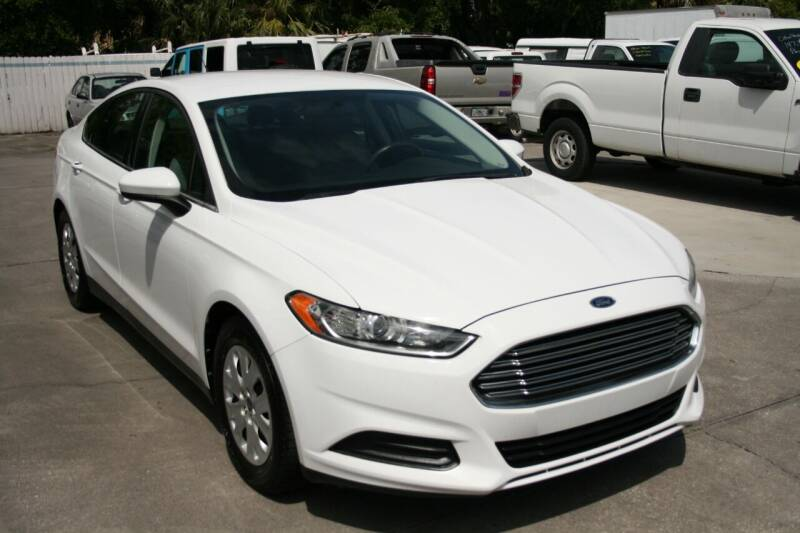 2013 Ford Fusion for sale at Mike's Trucks & Cars in Port Orange FL