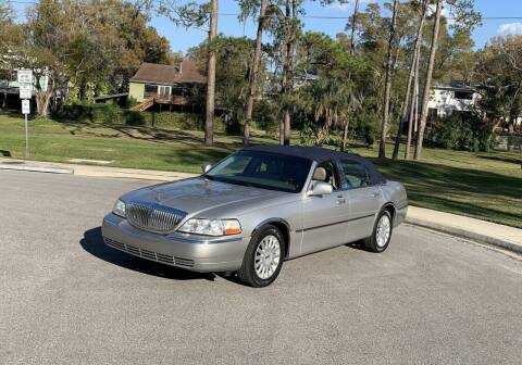2005 Lincoln Town Car for sale at P J'S AUTO WORLD-CLASSICS in Clearwater FL