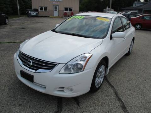 2011 Nissan Altima for sale at Richfield Car Co in Hubertus WI
