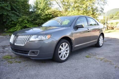 2012 Lincoln MKZ for sale at Gamble Motor Co in La Follette TN