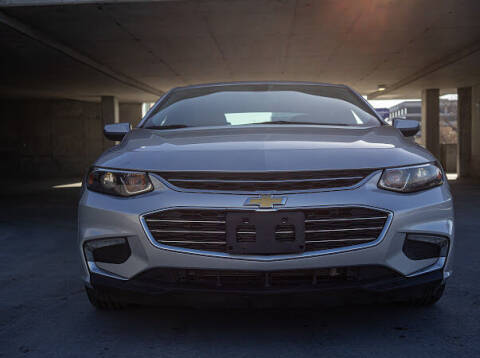 2018 Chevrolet Malibu for sale at The Car-Mart in Murray UT