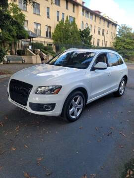 2010 Audi Q5 for sale at RICKIES AUTO, LLC. in Portland OR