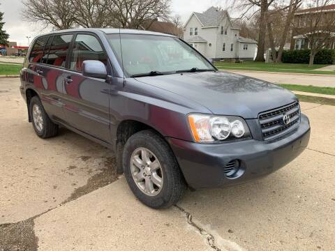 2001 Toyota Highlander for sale at BROTHERS AUTO SALES in Hampton IA