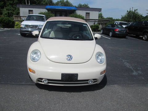 2005 Volkswagen New Beetle Convertible for sale at Olde Mill Motors in Angier NC