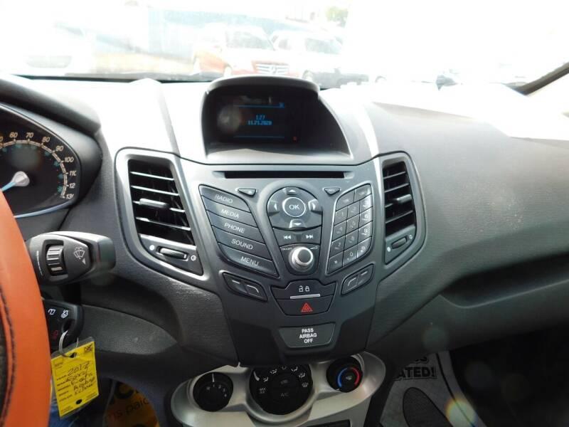 2017 Ford Fiesta SE 4dr Hatchback - San Antonio TX