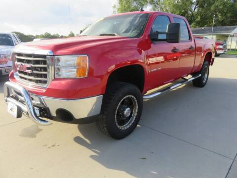 2008 GMC Sierra 2500HD for sale at Azteca Auto Sales LLC in Des Moines IA