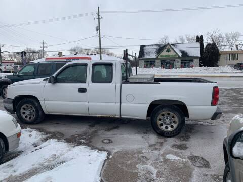 2006 Chevrolet Silverado 1500 for sale at GLOBAL AUTOMOTIVE in Gages Lake IL