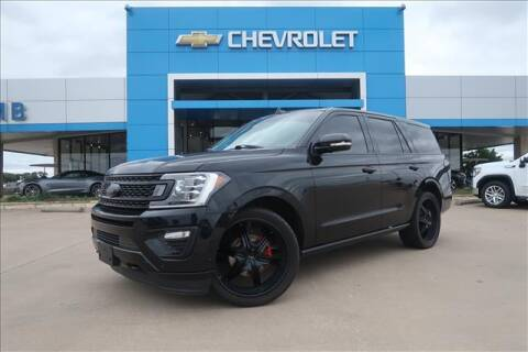2018 Ford Expedition for sale at Lipscomb Auto Center in Bowie TX