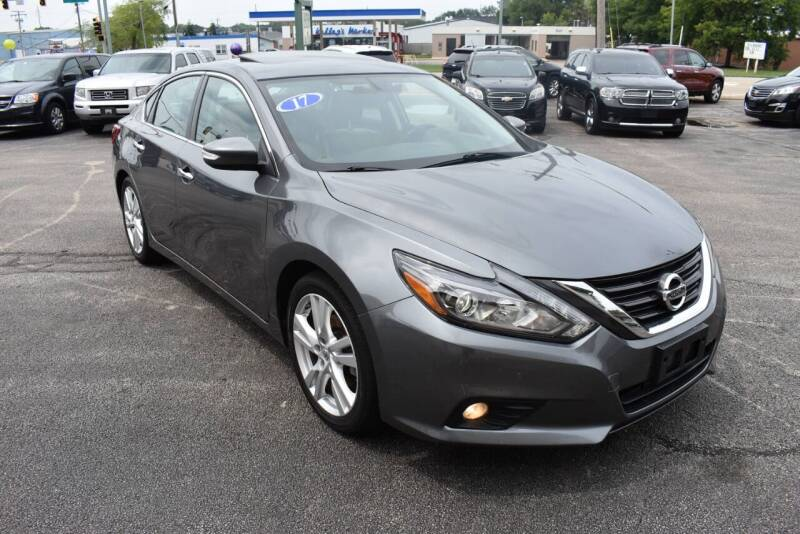 2017 Nissan Altima for sale at World Class Motors in Rockford IL