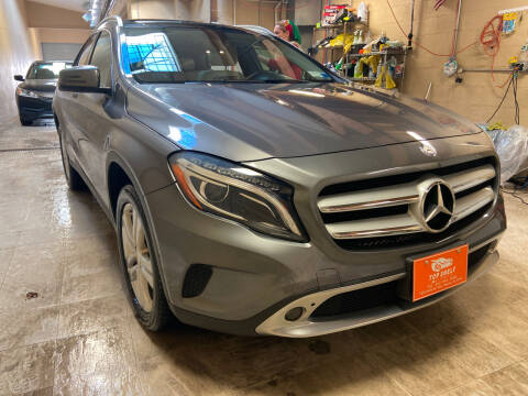 2015 Mercedes-Benz GLA for sale at TOP SHELF AUTOMOTIVE in Newark NJ