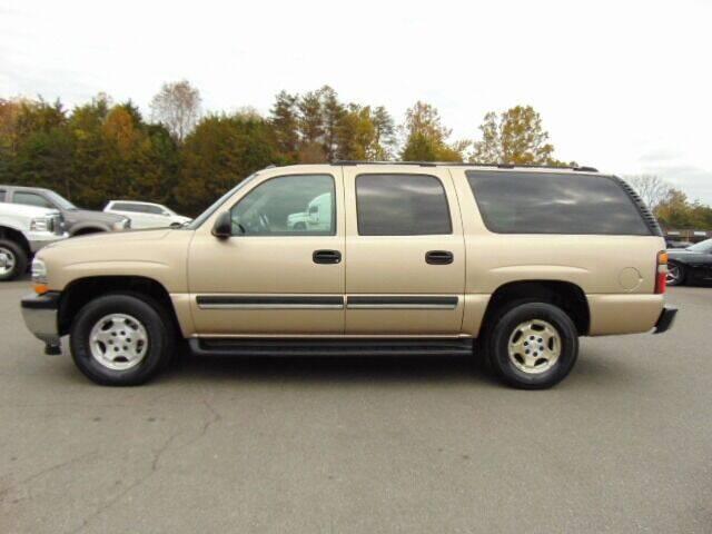 2005 Chevrolet Suburban for sale at E & M AUTO SALES in Locust Grove VA