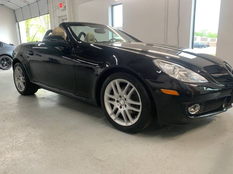 2009 Mercedes-Benz SLK for sale at The Car Buying Center in St Louis Park MN