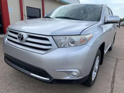 2012 Toyota Highlander for sale at Car Now Dallas in Dallas TX