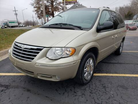 2006 Chrysler Town and Country for sale at Used Auto LLC in Kansas City MO