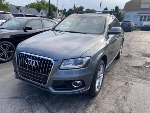 2013 Audi Q5 for sale at CLASSIC MOTOR CARS in West Allis WI