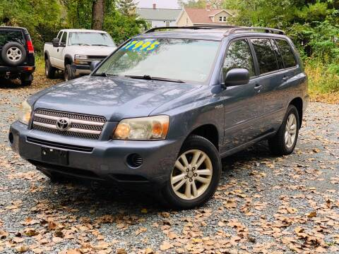2006 Toyota Highlander Hybrid for sale at Y&H Auto Planet in West Sand Lake NY