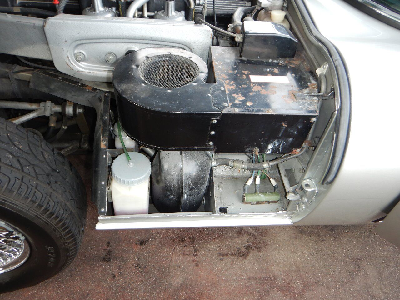 1973 Jaguar XKE 80