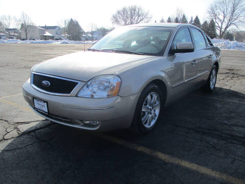 2006 Ford Five Hundred for sale at Triangle Auto Sales in Elgin IL