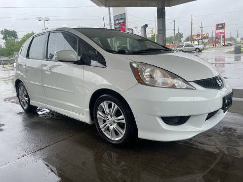 2011 Honda Fit for sale at JE Auto Sales LLC in Indianapolis IN