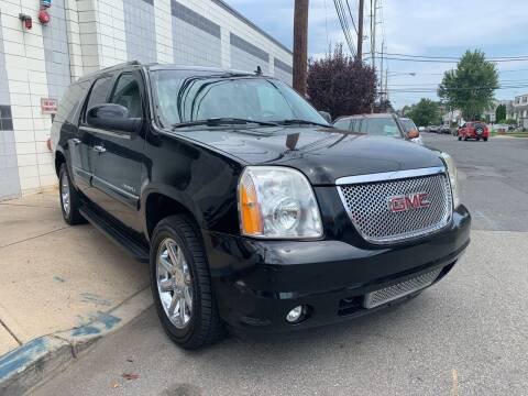 2007 GMC Yukon XL for sale at Illinois Auto Sales in Paterson NJ