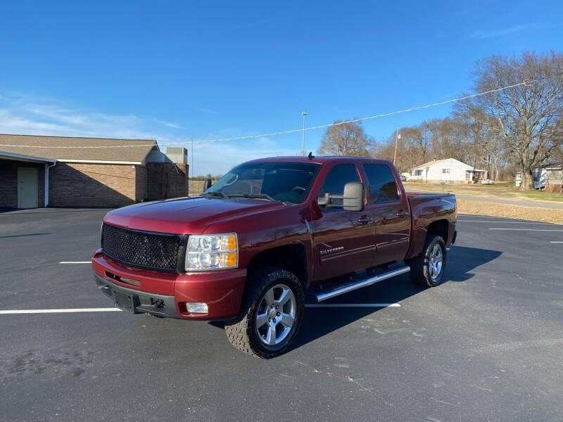 2013 Chevrolet Silverado 1500 for sale at Tennessee Valley Wholesale Autos LLC in Huntsville AL