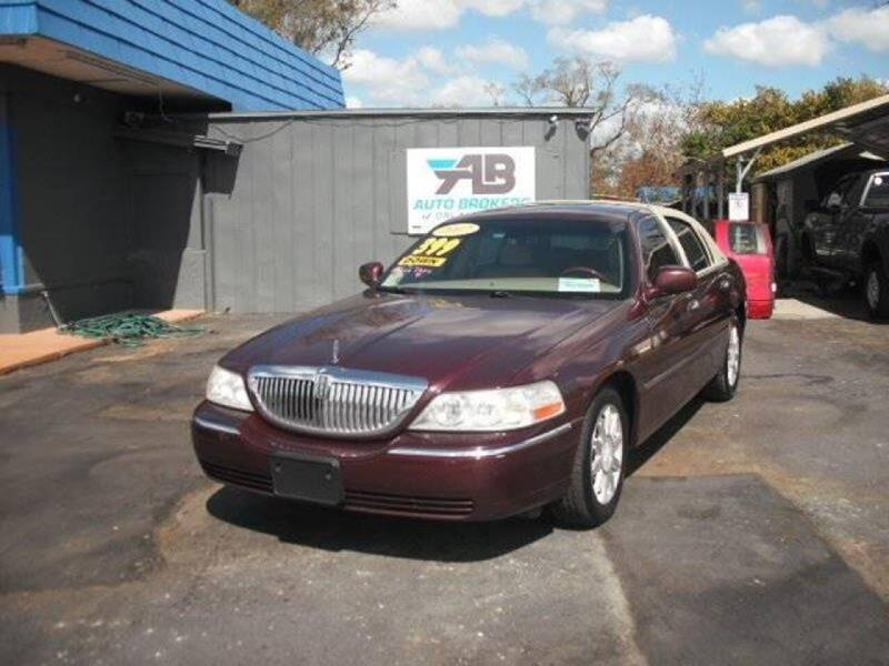 2007 Lincoln Town Car for sale at AUTO BROKERS OF ORLANDO in Orlando FL