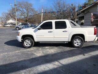2008 Chevrolet Avalanche for sale at Howard Johnson's  Auto Mart, Inc. in Hot Springs AR
