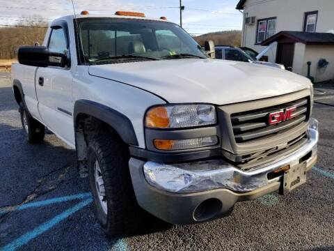 2006 GMC Sierra 2500HD for sale at Sussex County Auto & Trailer Exchange -$700 drives in Wantage NJ