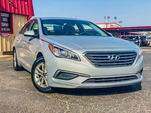 2016 Hyundai Sonata for sale at MAGNA CUM LAUDE AUTO COMPANY in Lubbock TX