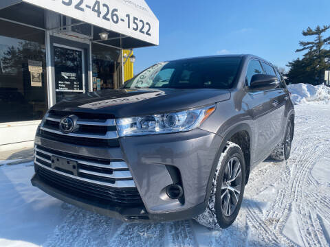 2018 Toyota Highlander for sale at Mainstreet Motor Company in Hopkins MN