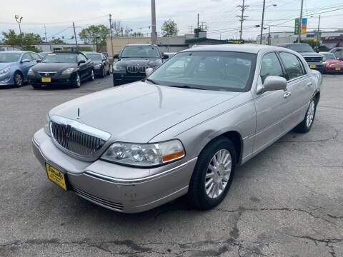 2004 Lincoln Town Car for sale at ASHLAND AUTO SALES in Columbia MO