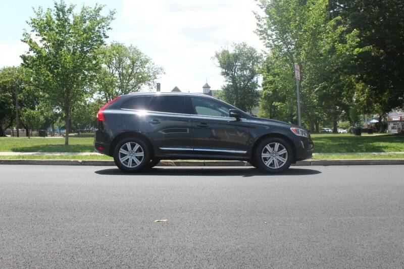 2016 Volvo XC60 for sale at Lexington Auto Club in Clifton NJ
