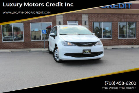 2017 Chrysler Pacifica for sale at Luxury Motors Credit Inc in Bridgeview IL