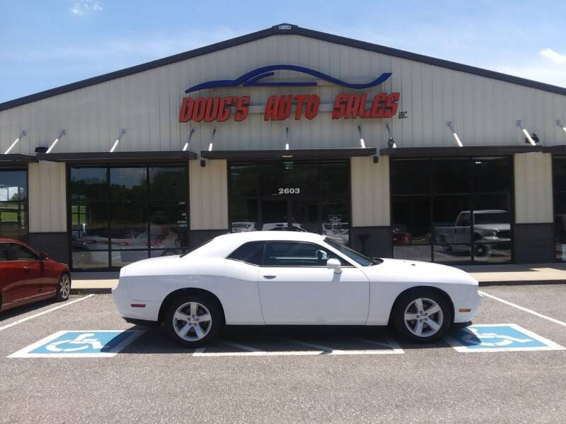 2013 Dodge Challenger for sale at DOUG'S AUTO SALES INC in Pleasant View TN