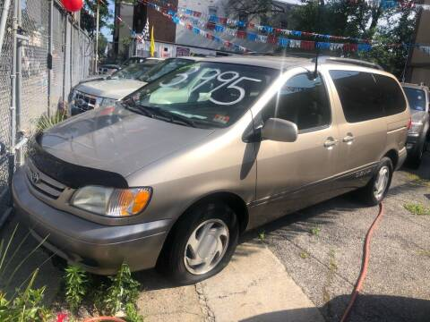 2003 Toyota Sienna for sale at GARET MOTORS in Maspeth NY