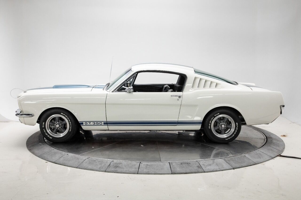 1965 Ford Mustang 3