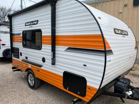 2021 SUNSET PARK SUNLITE 16 BH for sale at ROGERS RV in Burnet TX
