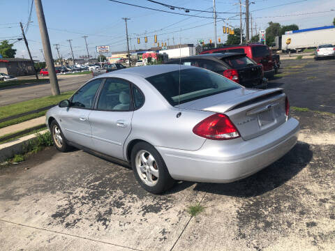 2004 Ford Taurus for sale at D and D All American Financing in Warren MI