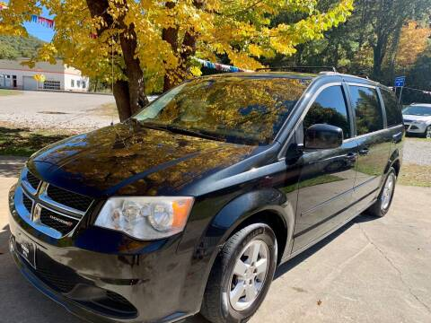 2013 Dodge Grand Caravan for sale at Day Family Auto Sales in Wooton KY